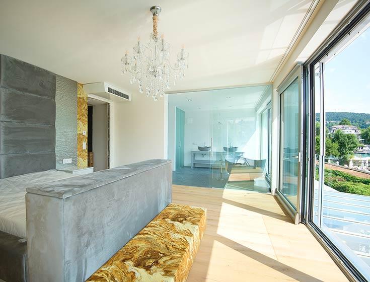 Schlafzimmer der Corso Suite in Velden
