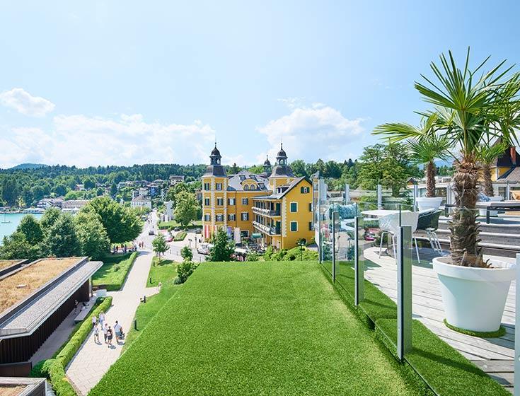 Blick von der Dachterrasse unserer Luxury Living Suiten in Velden